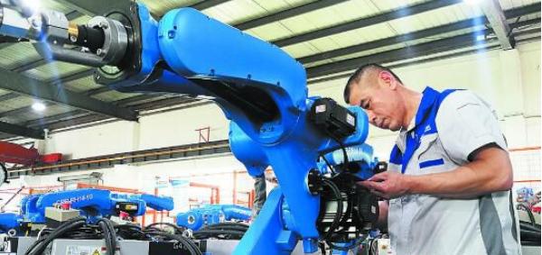 国产焊接机器人.png