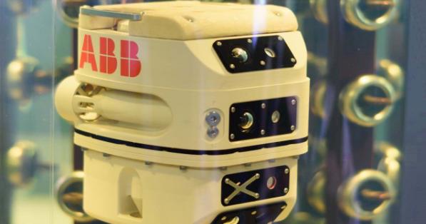 ABB全球首台液浸式变压器检测机器人.png