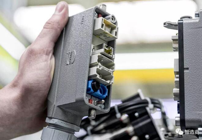 工業連接器