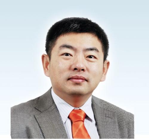 封岩 上海分公司经理.png